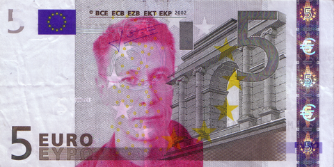 05-FACETHEEURO-M17496351643