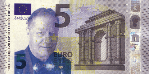 05-FACETHEEURO-UD1016651322