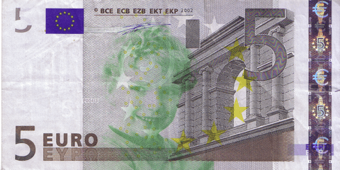 05-FACETHEEURO-X06173378759