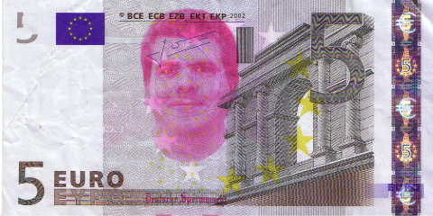 05-FACETHEEURO-X34001526539