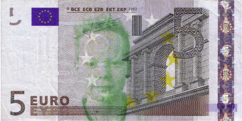 05-FACETHEEURO-X35446645694