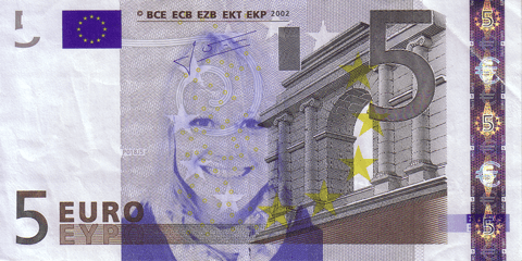 05-FACETHEEURO-X35538040001